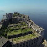日本最古のマンションは軍艦島にある
