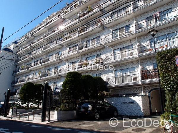 毎日が便利になる。渋谷の静かな住宅地に建つ大きなマンション