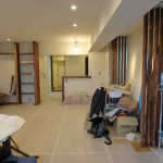 播磨坂のリノベーション 家具・建具が取り付き始める