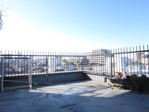【物件紹介】青い屋根の広い家withルーフバルコニー